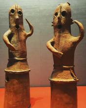 these-dancing-guys-are-some-of-oldest-artefacts-here-great-collection-oldschool-art-museum-ancient-artefact-archeology-japan-japanese-tokyo_25418830923_o